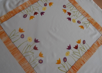 Obrus s kvetinovým motívom